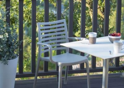 mobilier terrasse chambre d'hôtel