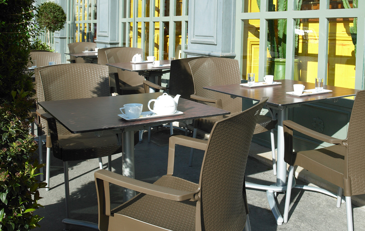 Mobilier terrasse bar caf bistrot chaises fauteuils for Mobilier terrasse